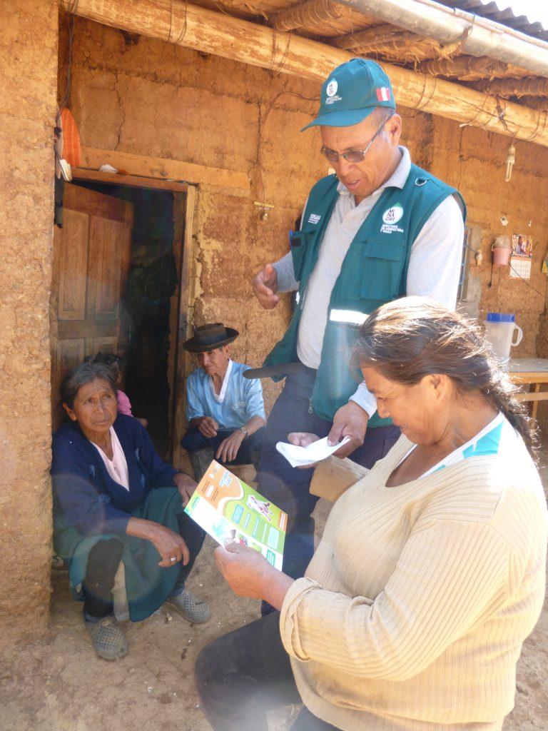 Senasa - Charla sobre enfermedades que afectan a los porcinos en Huánuco