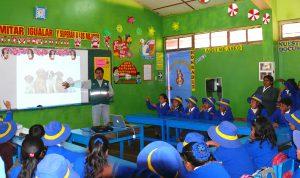 Charla sobre el control de la hidatidosis en Huancavelica