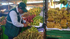 Senasa - Inspección de frutos en mercados de Tacna